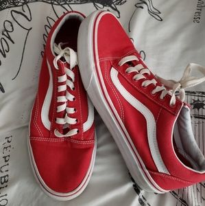 Low top red Vans